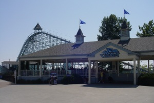 Blue Streak station and lift hill